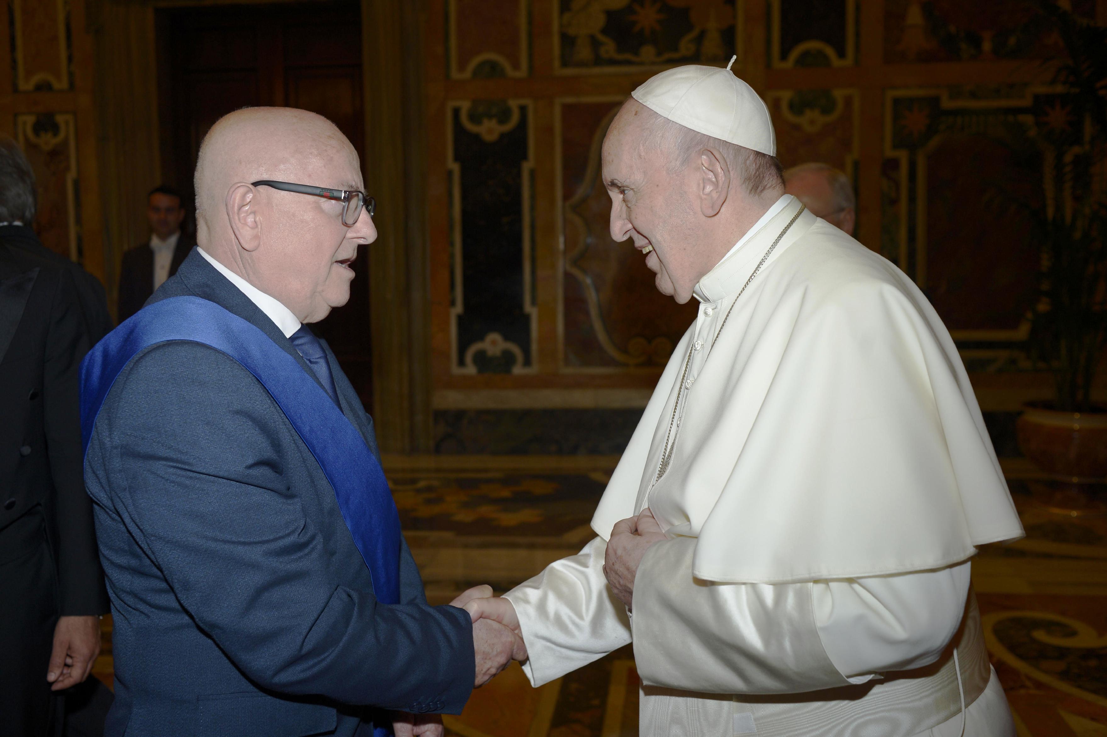 Il Pres. della Prov. Sergio Fabiani e Papa Frances