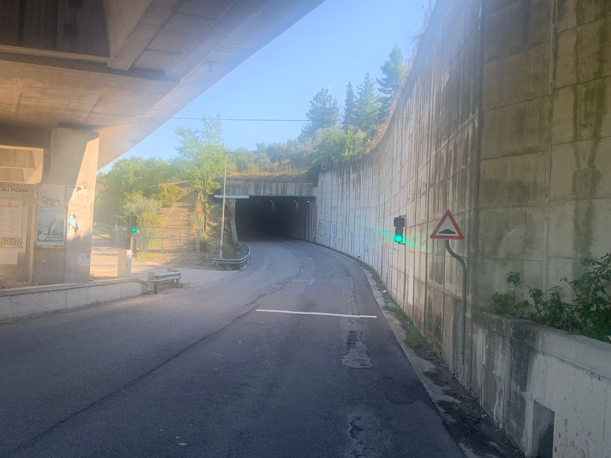 S.P. 226 Mozzano - Impianto semaforico galleria direzione Ascoli
